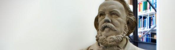 Büste Ferdinand Freiligrath in der Lippischen Landesbibliothek