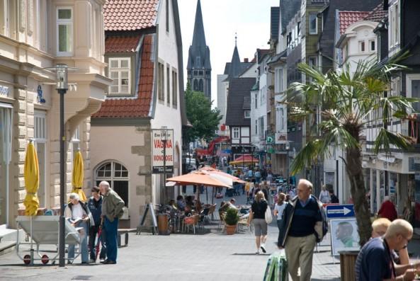 Die Bruchstraße in Detmold mit dem Grabbe-Haus (links)